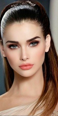 Most Beautiful Faces, Beautiful Lips, Stunning Eyes, Girl Face, Woman Face, Beauty Full Girl, Beauty Women, Sr1, Elegantes Outfit