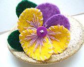 Para o cabelo de bebe<3<3<3 ,Blue Felt Flower Pin, Pansy Flower Brooch, Floral Pin, Felt Jewelry,