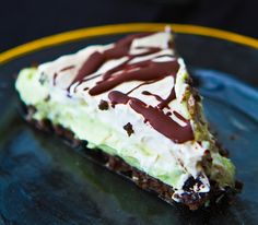 Vegan Grasshopper Pie! Minty perfection for March! #dessert