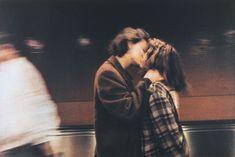 Couple in the subway, Paris, 1986, Dolores Marat Metro Paris, Charles Xavier, The Love Club, Couple Aesthetic, Aesthetic Grunge, Aesthetic Vintage, Teenage Dream, Cute Relationships, Relationship Goals