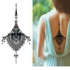 Resultado de imagen de tatuajes debajo pecho