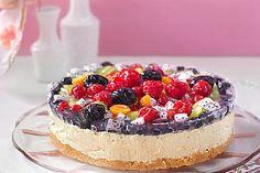 Joghurt - Sahne - Torte mit frischen Früchten 5