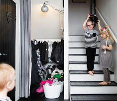 KOTI JA DIY: Vilkkilöillä sekä koti että ihmiset on puettu mustaan ja valkoiseen Vauva & Meidän Perhe