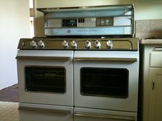 """O'keefe And Merritt Deville. """"The Cadillac of stoves"""""""