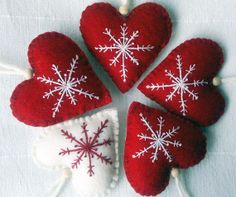 Items similar to Set of Five Red and White Christmas Heart Felt Ornament /Hanging Decoration on Etsy Felt Christmas Decorations, Felt Christmas Ornaments, Christmas Ribbon, Christmas Sewing, Christmas Embroidery, Handmade Christmas, Christmas Diy, White Ornaments, Christmas Hearts