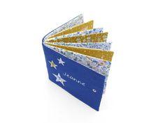Album photo tissu personnalisé album doudou couverture bleu | Etsy Album Photo, Liberty, Denim, Etsy, Perms, Blue Blanket, Fabric, Political Freedom, Freedom