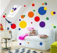 Naklejki ścienne na ścianę kolorowe KROPKI GROCHY