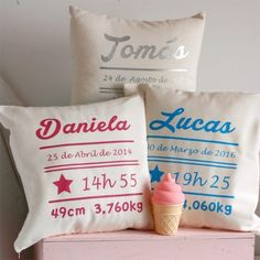 Cojín nacimiento PERSONALIZADO Baby Balloon, Boy Room, Diy Gifts, Machine Embroidery, Personalized Gifts, Bed Pillows, Pillow Cases, Diy And Crafts, Balloons