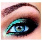 Hello congratulation.  I am offering a Mothers Day Makeover contest and you will be one of the candidates to get a free makeover for you, your mom and 4 other friends or relatives.  Please get in touch with me to arrange your Makeover day and time. Lucy,   makykaycosmestics.taveras@gmail.com  Teal smoky eye shadow.  prom makeup