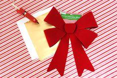How to Make a Christmas Bow Christmas Bows, Christmas Tree Toppers, Country Christmas, Christmas Holidays, Christmas Crafts, Giant Bow, Easy Diy, Handmade Christmas Crafts, Christmas Vacation