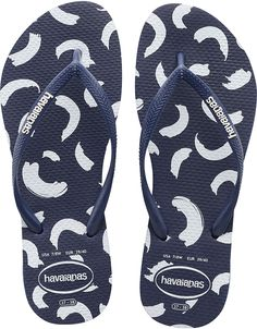 The Slim Swirl features a playful print of hand-painted whirls on our signature textured footbed. Style and comfort comes courtesy of our slim strap with a contrast Havaianas logo. Thong style Cushioned footbed with textured rice pattern and rubber flip flop sole Made in Brazil