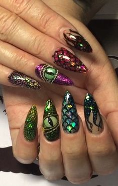30 Best Stiletto Nail Art Ideas 2018 Trends Previous Post Next Post Halloween Nail Designs, Diy Nail Designs, Halloween Nail Art, Diy Nails, Cute Nails, Pretty Nails, Dragon Nails, Witchy Nails, Gothic Nails