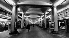 El proyecto de 1941 era crear una ciudad soterrada que enlazara la plaza de Catalunya con la de Urquinaona Picture Wall, Archaeology, Old Photos, Past, Black And White, History, Architecture, Street, City
