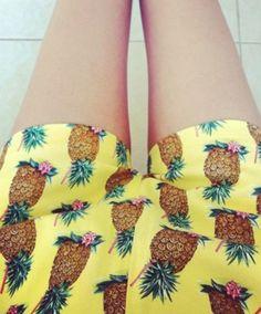 Lecker - Sommerliche Shorts mit Ananasprint #prints #pineapple #shorts