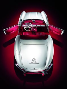 Barbie Pink interior - Industrial design (Mercedes-Benz 300SL Roadster (W198). Via itcars > Auto Classico)