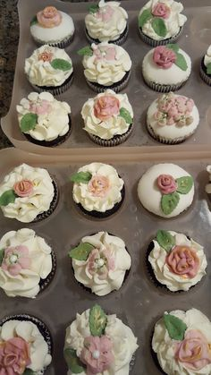 Mini Cupcakes, Yummy Treats, Tasty, Baking, Desserts, Food, Bread Making, Meal, Patisserie