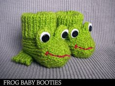 Frog Baby Booties Knitting Pattern by AuntJanetsDesigns on Etsy Baby Booties Knitting Pattern, Knitted Booties, Knitting Patterns Free, Knit Patterns, Free Knitting, Baby Knitting, Knitting Needles, Knitting For Kids, Knitting Projects