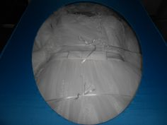 Es muy importante que el vestido de novia preservado se fije dentro de la caja,para que con los años no se mueva y termine todo arrugado. Specialty cleaners tiene su propio sistema exclusivo de tres listones internos.