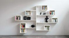 Libreria bianca di design per il soggiorno