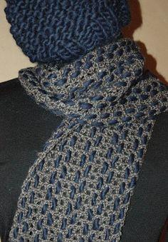 sciarpa-berretto_blumarrone-1 Cowl, Poncho, Women, Crocheting, Shabby Chic, Dots, Tejidos, Crochet, Cowls