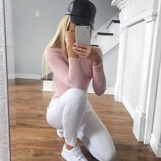 Insta @ famme for more amazing strong women in activewear from all around the world Tumblr Outfits, Mode Outfits, Jean Outfits, Casual Outfits, Fashion Outfits, Womens Fashion, Casual Jeans, Dress Fashion, Girl Fashion