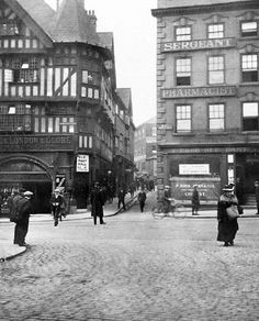 Nottingham centre: corner of Wheeler Gate and Friar Lane, before it was widened Old Pictures, Old Photos, Vintage Photos, Nottingham Pubs, Local History, Family History, Old Pub, Sherwood Forest, Air Raid
