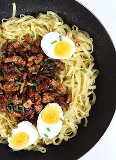 "Taiwanese Tofu ""Meat"" Sauce | thekitchenpaper.com"