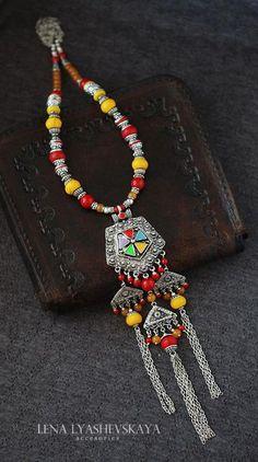 Handmade Jewelry Crafts from Elena Lyashevskaya Beaded Jewellery, Oxidised Jewellery, Drop Necklace, Pendant Necklace, Jewelry Crafts, Handmade Jewelry, Fabric Jewelry, Maxis, Art Projects