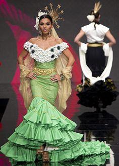 Flamenco fashion show 2012; bata de cola