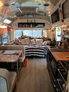 43 Unique Bedroom Art Ideas for RV 2019 - Wohnmobil - Bus Living, Tiny House Living, Living In A Bus, School Bus House, Kombi Home, Van Home, Bus Life, Van Interior, Remodeled Campers