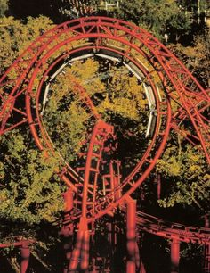 Worlds of Fun: Gone but Not forgotten pictures and history of defunct rides & attractions. Abandoned Theme Parks, Abandoned Amusement Parks, Abandoned Places, Roller Coasters, Great Places, Places To Go, Kings Island, Amusement Park Rides