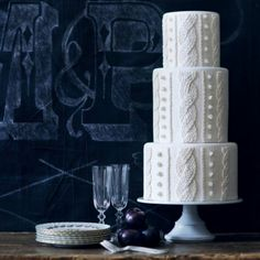 The cozy new trend in winter wedding cakes Dessert Bar Wedding, Wedding Desserts, Wedding Decorations, Perfect Wedding, Our Wedding, Wedding Cake, Vow Renewal Ceremony, Knit Art, Fashion Cakes