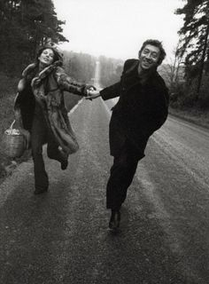 "Serge Gainsbourg & Jane Birkin "" comme on le dit souvent l'amour rend  l'homme different."""