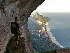 Garganta do Céu - Pedra dá Gávea, Parque Nacional da Tijuca - RJ Wonderful Places, Beautiful Places, Bradley Mountain, Trippy, Brazil, Travel Inspiration, Sweaty Hands, Scenery, America