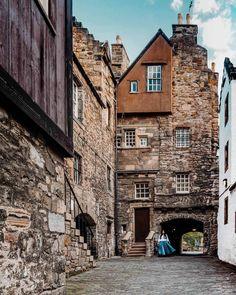 royal mile outlander edinburgh locations Visit Edinburgh, Edinburgh City, Edinburgh Castle, Edinburgh Scotland, Places In Scotland, Scotland Travel, Scotland Tours, Edinburgh Photography, Outlander Locations
