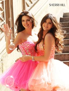 Kendall and Kylie Jenner. ❤