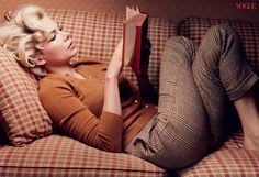 Michelle Williams as Marilyn Monroe | Michelle Williams as Marilyn Monroe in Vogue October 2011