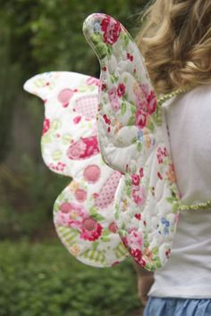 Wife-made: On a { butterfly } wing and a prayer. Gorgeous quilted butterfly wings!