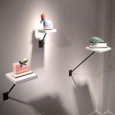 ceramic exhibition plinth - Google Search