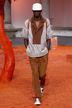 See the complete Ermenegildo Zegna Spring 2018 Menswear collection.