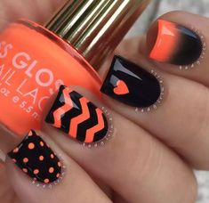 False nails have the advantage of offering a manicure worthy of the most advanced backstage and to hold longer than a simple nail polish. The problem is how to remove them without damaging your nails. Marriage is one of the… Continue Reading → Winter Nail Art, Winter Nails, Fall Nails, Winter Art, Spring Nails, Fall Winter, Chevron Nail Art, Black Chevron, Orange Chevron