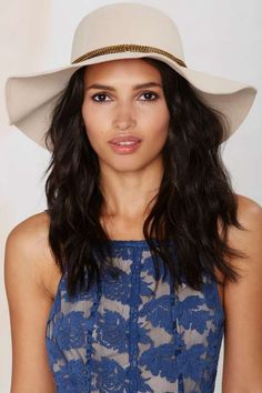 Link Up Floppy Hat - Beige - What's New