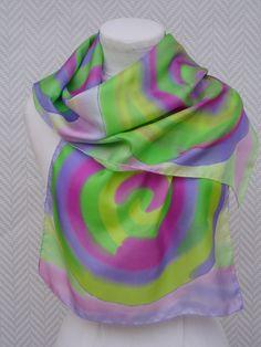 Echarpe , foulard en pongée de soie vert et violet