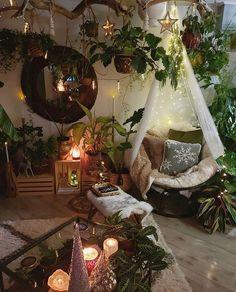 Bohemian Bedroom Decor, Bohemian Living, Hippie Bedrooms, Bohemian Homes, Bohemian Room, Bohemian Style, Hippie Living Room, Boho Chic, Bohemian Interior