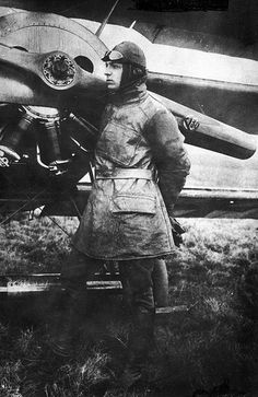 theworldwars: Erich Löwenhardt (April 7,1897 – August 10, 1918) was the 3rd highest German flying ace with 54 victories during the First World War, behind only Manfred von Richthofen and Ernst Udet.