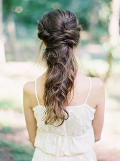 Half up half down wedding hairstyles #wedding #weddingideas #hairstyles