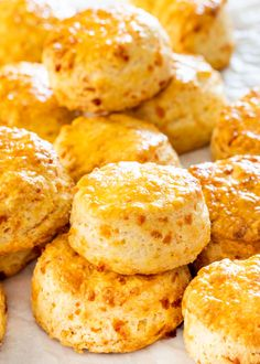 These Cheddar Cheese Buttermilk Biscuits are really simple and quick to make so delicious tender flaky and super cheesy. Loaded with cheddar cheese and super tender from the buttermilk these biscuits are the perfect addition to any meal or enjoyed as Buttermilk Scone Recipe, Buttermilk Biscuits, Recipes With Buttermilk, Cheddar Biscuits, Cheese Biscuits, Cheddar Cheese Biscuit Recipe, Cheddar Cheese Powder, Biscuit Bread, Canned Biscuits
