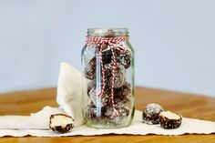 Just because we believe in eating whole foods free from gluten, refined grains and refined sugar, doesn't mean mum needs to go without sweet treats and indulgences on Mother's Day.These bounty bliss balls are gluten free, dairy free . Sweet Recipes, Whole Food Recipes, Bliss Balls, How To Eat Paleo, Dairy Free, Gluten Free, Mason Jars, Sweet Treats, Clean Eating
