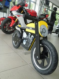 Yamaha Kids Cafe Racer Balance Bike and Yamaha R1