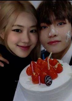 Bts Girl, Role Player, Kpop Couples, Blackpink And Bts, Jaehyun, Boy Birthday, Ulzzang, Chara, Venus